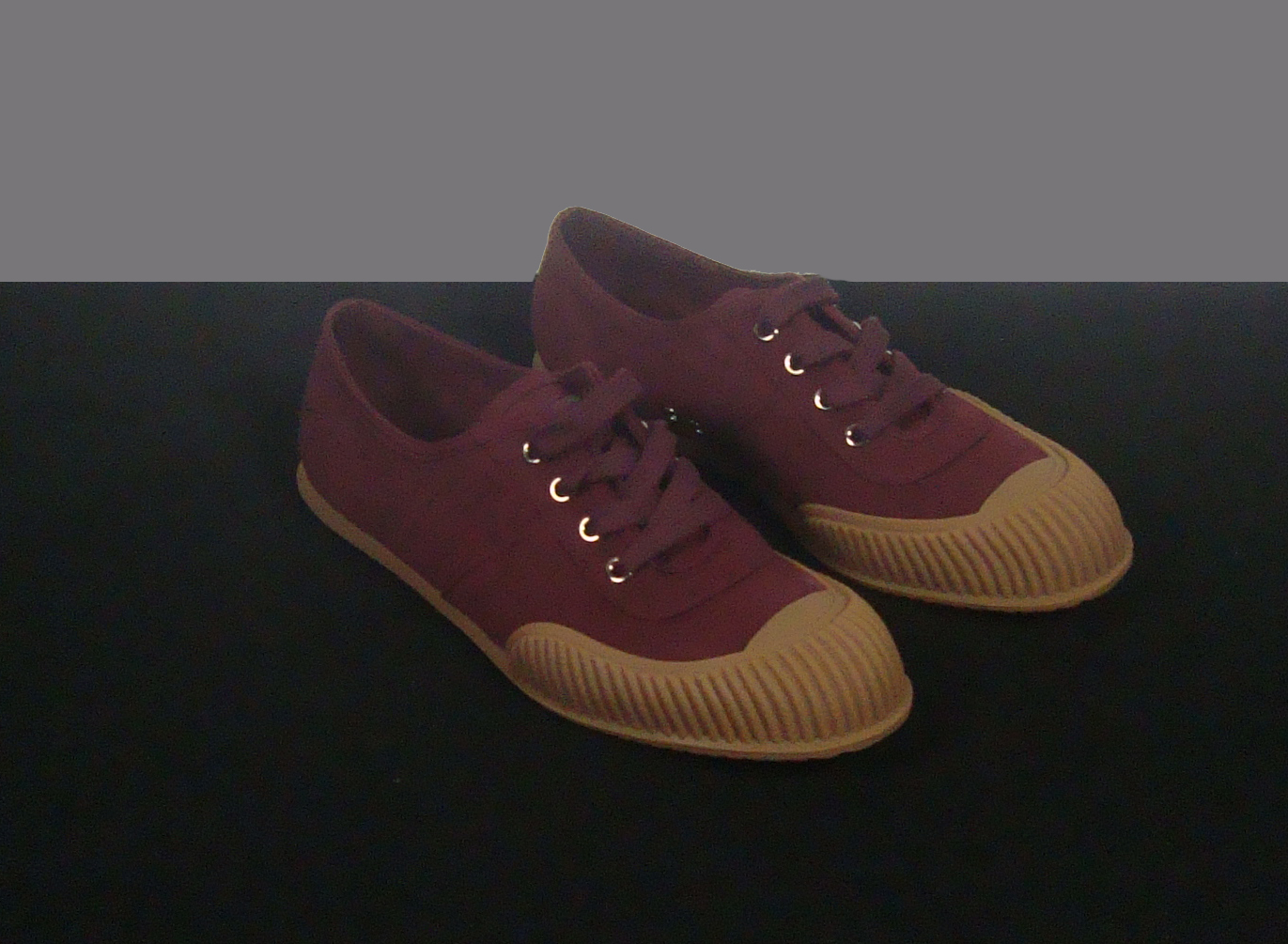 In 2013 Rachel donated Prada shoes (size 38).