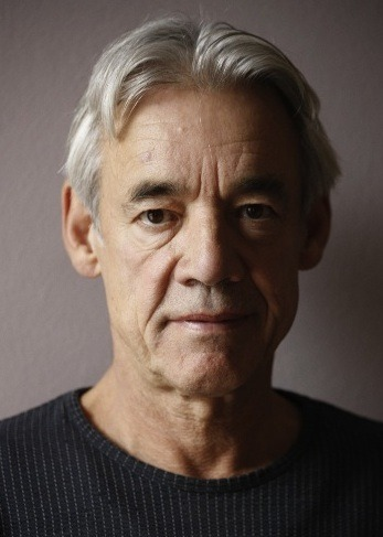 roger lloyd pack father