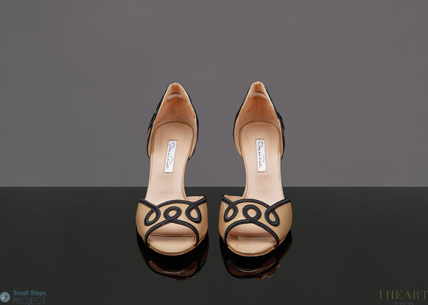 """In 2014, shedonated donated a very special pair of Oscar De La Renta heels in a size 39 and told us: """"I have worn these Oscar de La Renta shoes at several lovely parties. They're so chic and timeless and they hold a special place in my heart now that we lost the beautiful and talented designer. I felt like an elegant, yet playful lady everything time I wore them."""""""